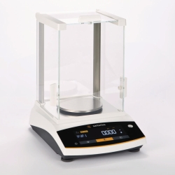 Precision balances Entris® II with square windshield