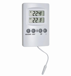 Digital min/max indoor/outdoor thermometer with sensor