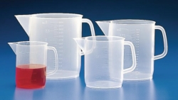 Measuring jugs with handle, PP