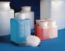 Wide-mouth bottles, PE, square, graduated, with screw cap