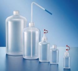 Round square-shouldered bottles, series 302, HDPE