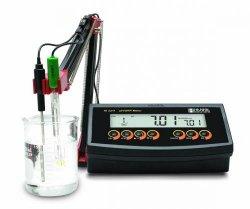pH / mV / °C meter HI 2211-02 / HI 2215-02