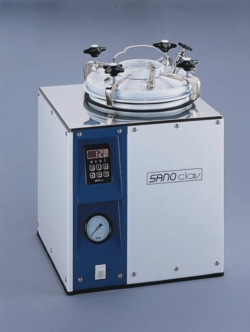Laboratory autoclaves with heating