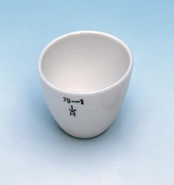 Crucibles, porcelain, low form