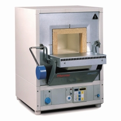 Laboratory muffle furnaces M 104 and M 104 G